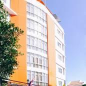 金色昂納特酒店