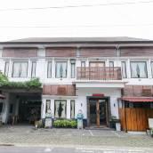 艾里薩里姆克拉頓日惹安格斯酒店