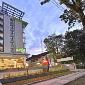 巴東卡提素萊曼威茲普萊姆酒店