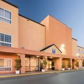 奧克蘭機場舒適套房酒店