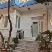 Aron Guest House - Hostel