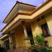 日惹洛伊馬坎汀家庭旅館