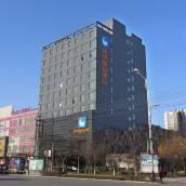 隆堯速巢精品酒店